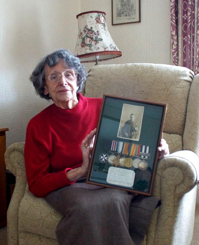Mrs M Davies, daughter of 48098 Pte W E Coleman M.M.