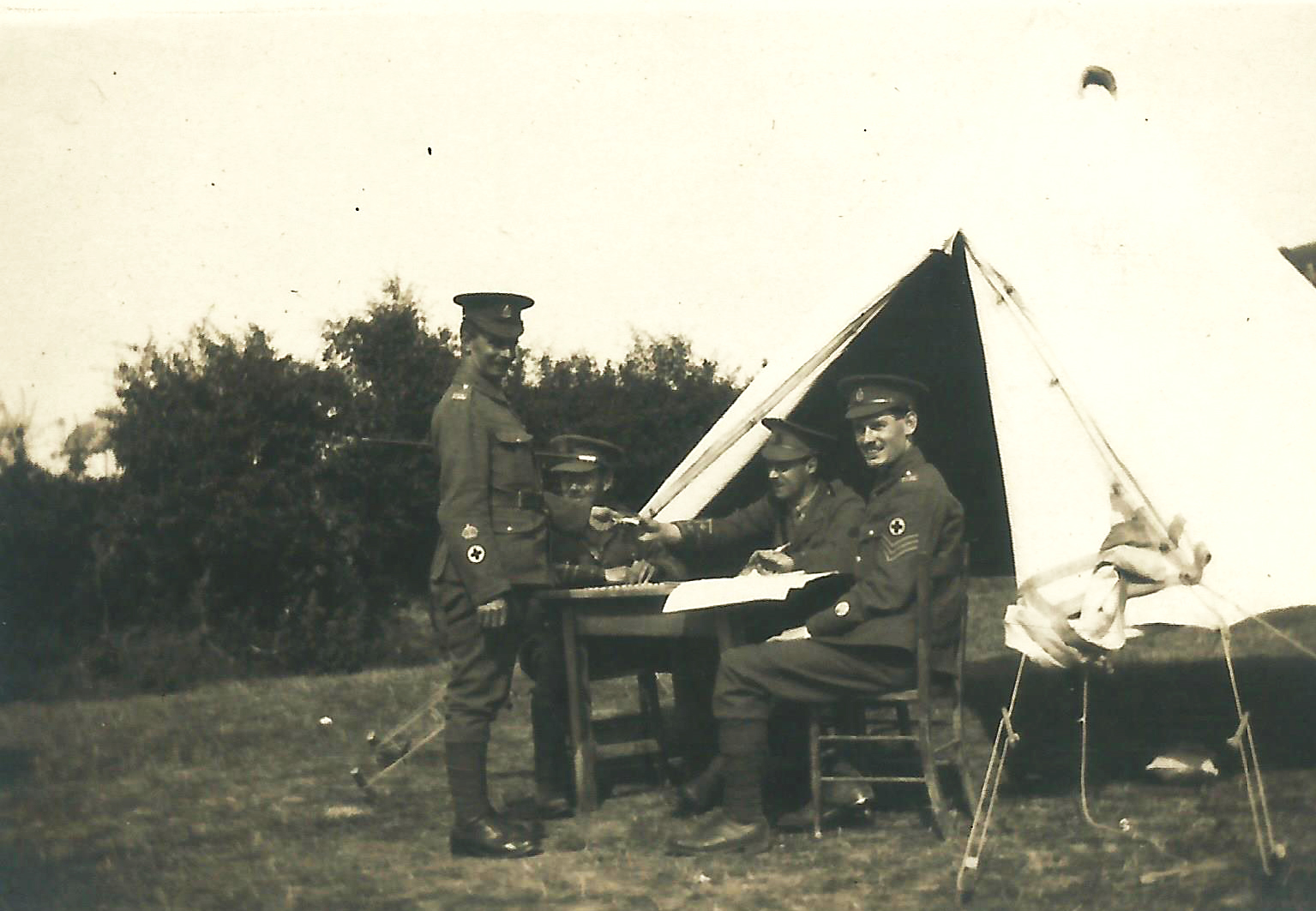 1915circa-Meredydd-Ffoulkes-possibly-with-130th-StJohns-Field-Ambulance1